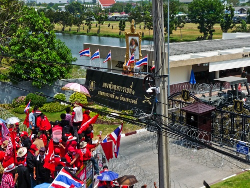 red_shirts_bangkok_protests_military_base