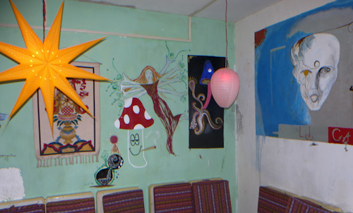 newmodernlodge_art_room