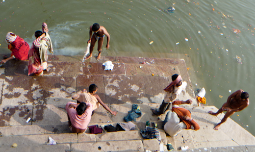 varanassi_ganges_washing